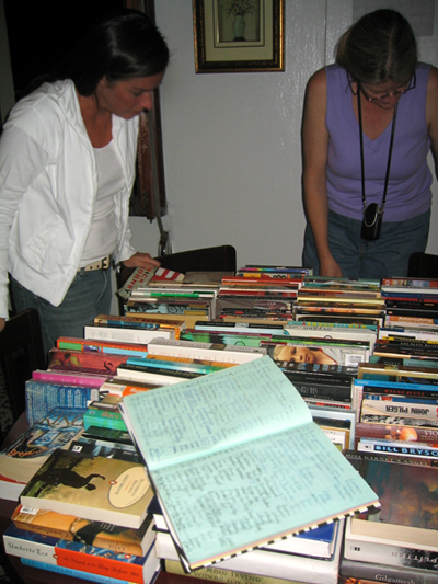 Book-Club-perusing-Web